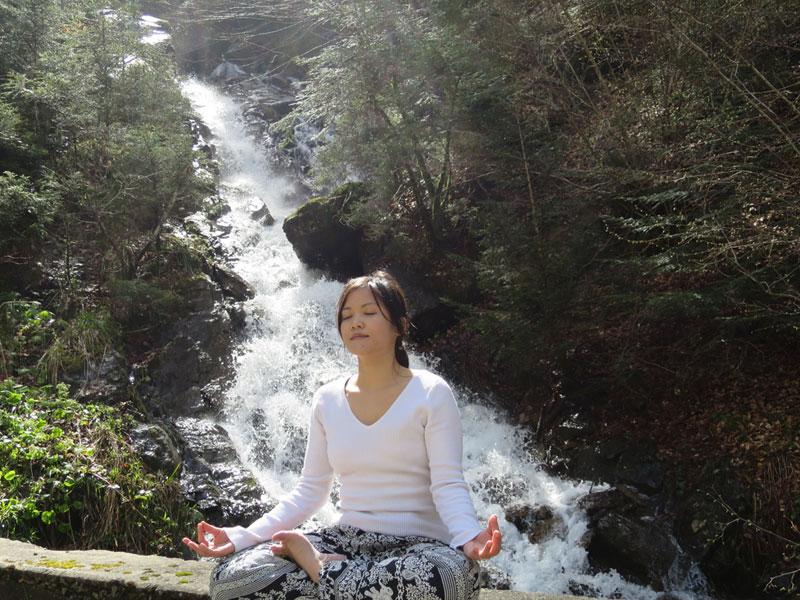 Le yoga pour calmer le mental