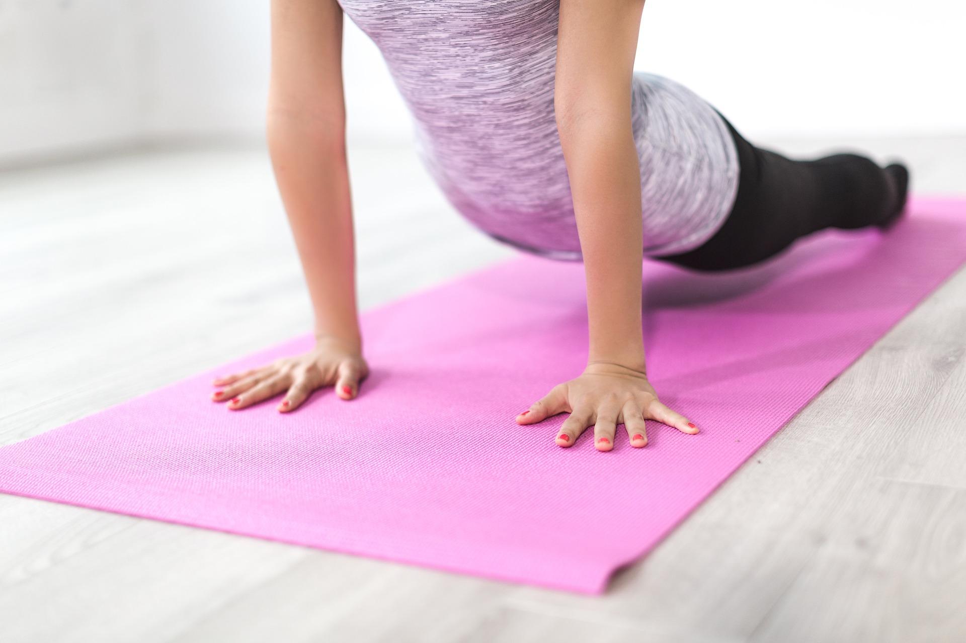 Pratiquer le yoga avec un bon tapis