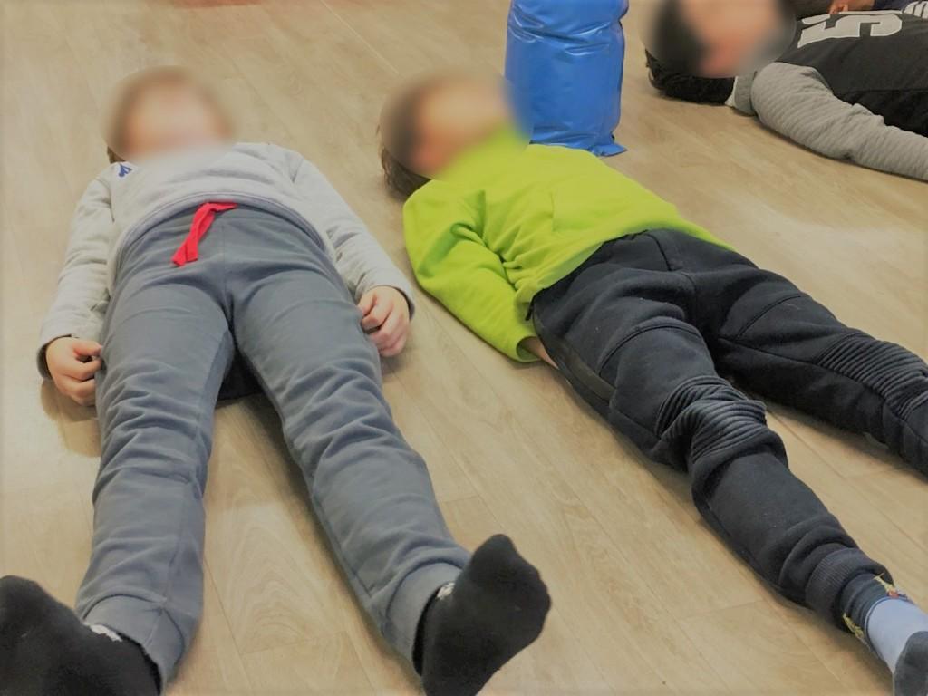 Relaxation yoga enfant