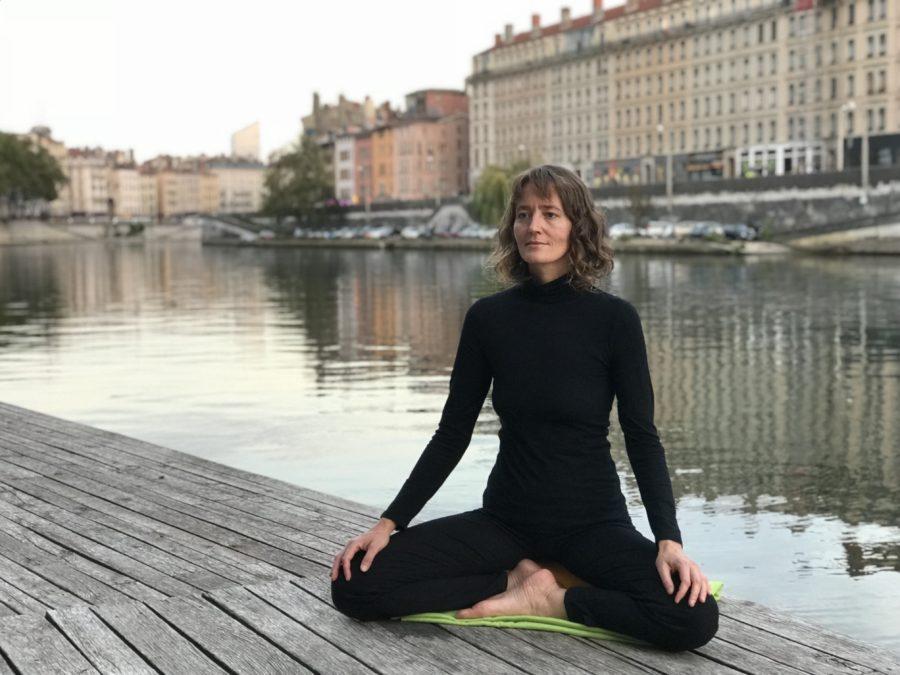 Tatiana Raitif, accompagnatrice méditation pleine conscience, yoga et  éducatrice somatique